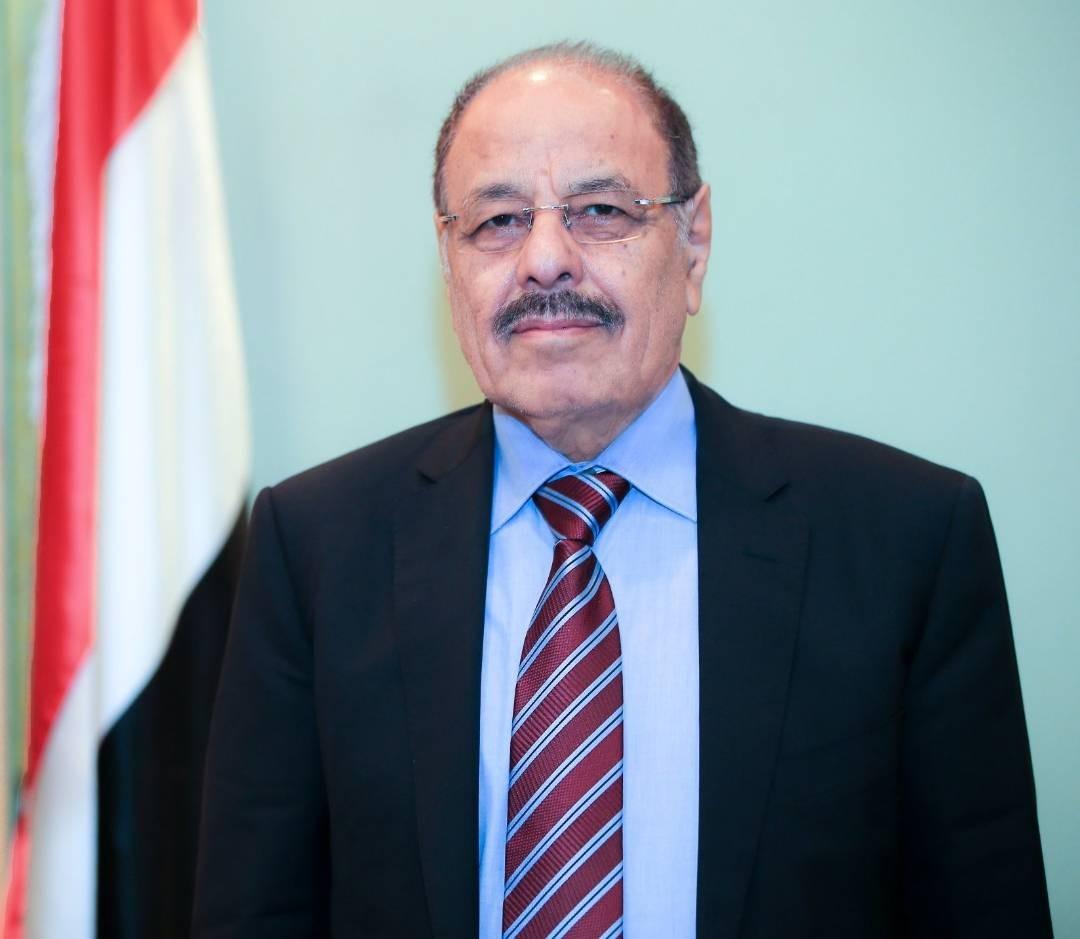 نائب الرئيس يعزي في وفاة قائد المقاومة التهامية العقيد مناجي حجري