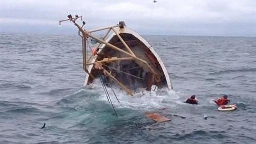 البحر يبتلع 11 صيادا يمنيا والناجي الوحيد يشرح الحادثة